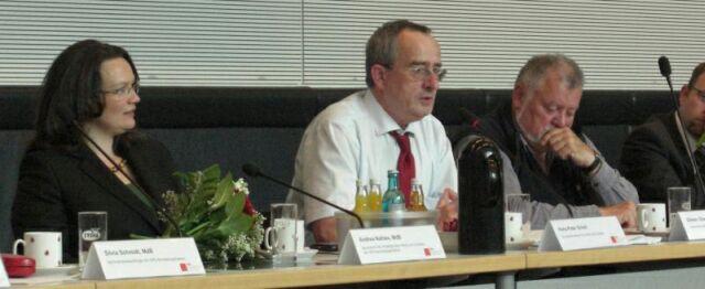 Foto zeigt von links: Andrea Nahles, Hans-Peter Schell, Dieter Gleichfeld